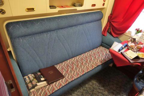 オケアン号リュークスのソファー