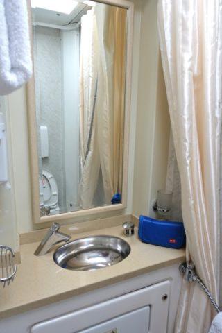 バスルームの鏡/オケアン号リュークス