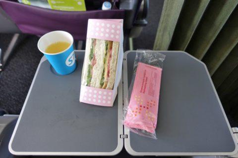 S7-airlines-narita-vladivostok/機内食