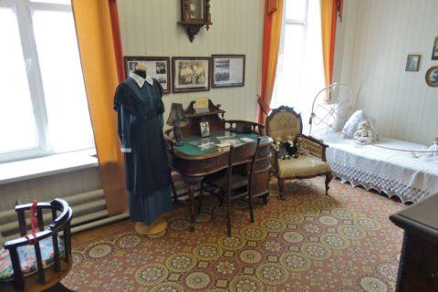 Sukhanov-Museum/女の子の部屋