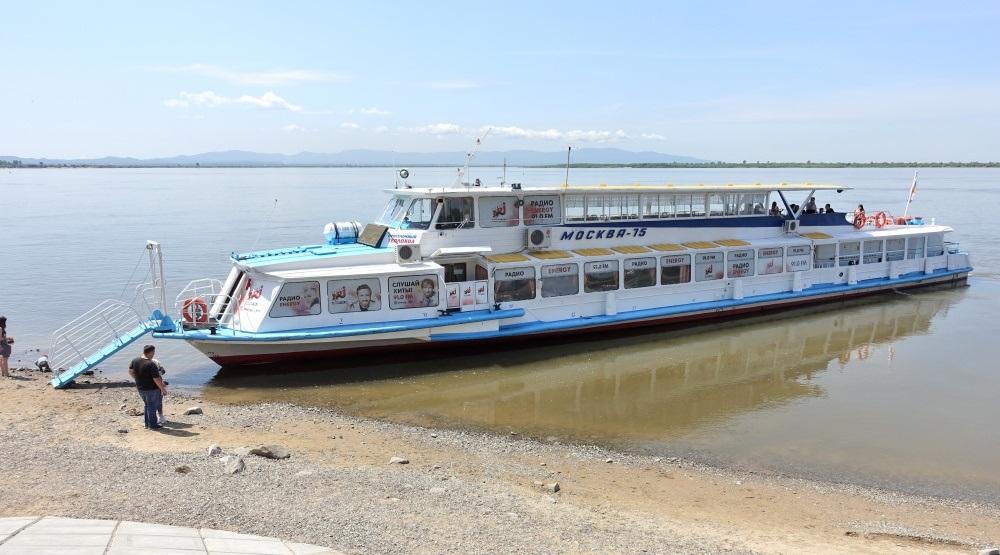 amur-river-pleasure-boat (2) -2