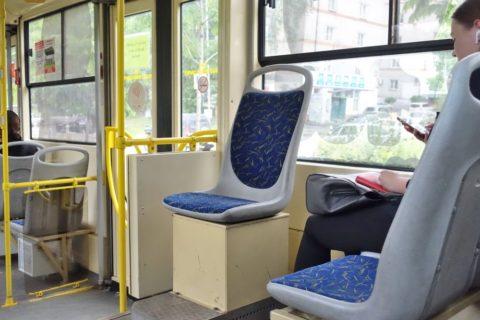 khabarovsk-bus-tram/車掌の席
