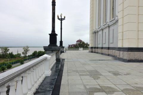 スパソ・プレオブランジェスキー教会裏側の展望スポット