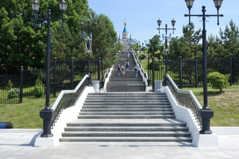 khabarovsk-city/アムール川への階段
