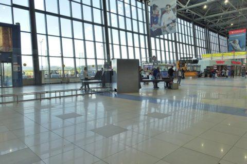 vladivostok-airport/入口のセキュリティ