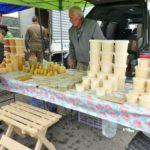 ウラジオストクの市場で安くて美味しいハチミツGet!中央広場の日曜マーケット