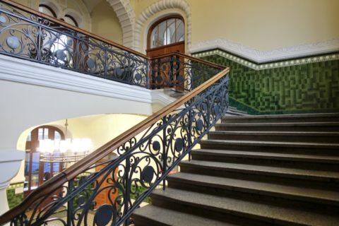 vladivostok-railway-station/1番線ホームへの階段
