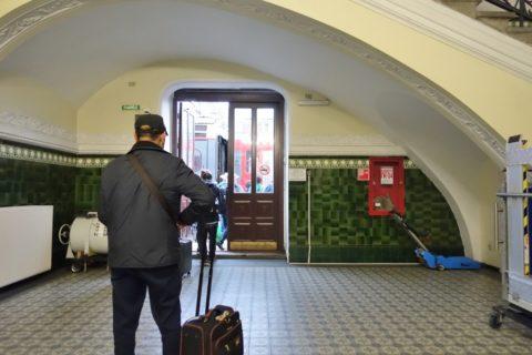 vladivostok-railway-station/ホームへの出口