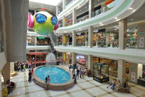 130kvartal/ショッピングセンター5階建て