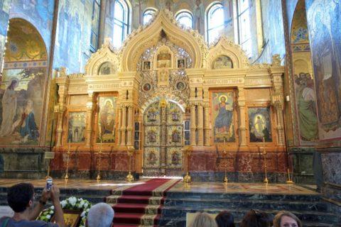 血の上の救世主教会の主祭壇