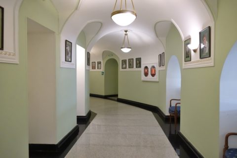 Irkutsk-Academic-Drama-Theatre/廊下