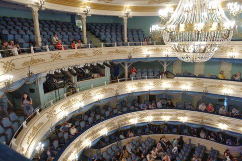 Irkutsk-Academic-Drama-Theatre/3層のバルコニー