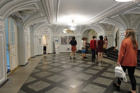 Irkutsk-Academic-Drama-Theatre/エントランスホール