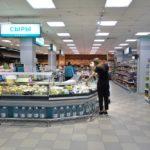 ハバロフスクの大型SCにある【スーパーマーケット】へ!パンとチーズがお買い得!