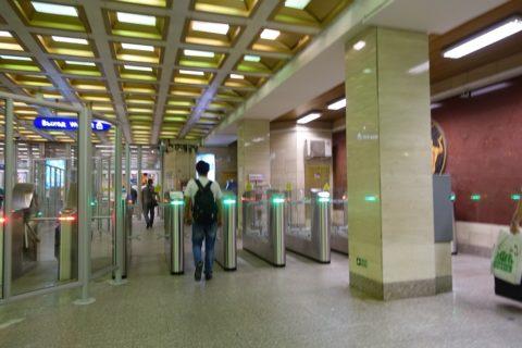 sankt-petersburg-metro-改札出口