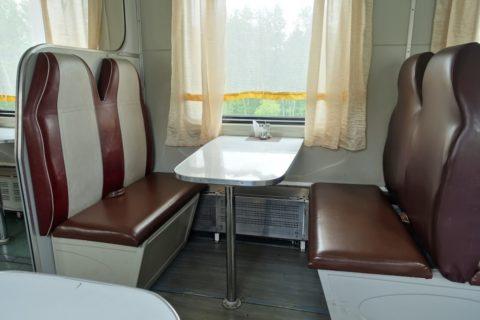 シベリア鉄道カフェの座席