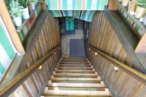 soviet-cafe-dachniki・階段