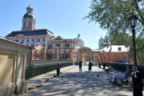 Alexander-Nevsky-Lavra/正門