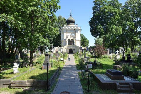 Alexander-Nevsky-Lavra/ニコラス墓地の園庭