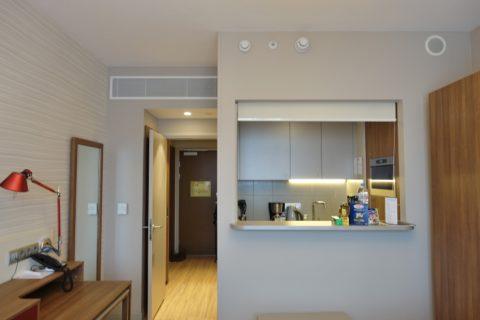 Aparthotel-Adagio-Moscow-Kievskaya/廊下とキッチン