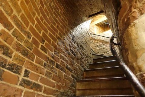 Saint-Basils-Cathedral/2階への階段