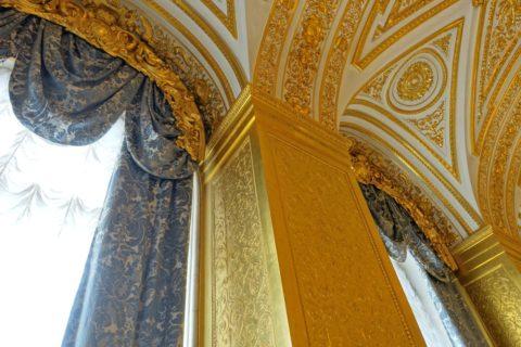St-Petersburg-Hermitage-museum/金の柱