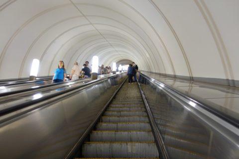moscow-metro/長いエスカレーター