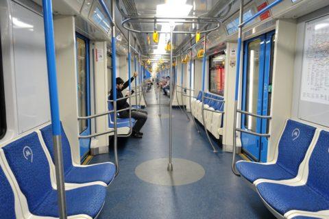 moscow-metro/4号線の車内