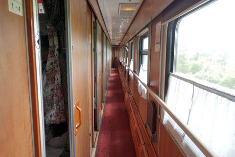 siberian-railway/等車の廊下