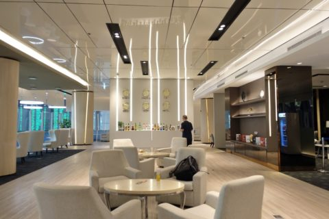 MIRACLE-First-Class-Lounge-D