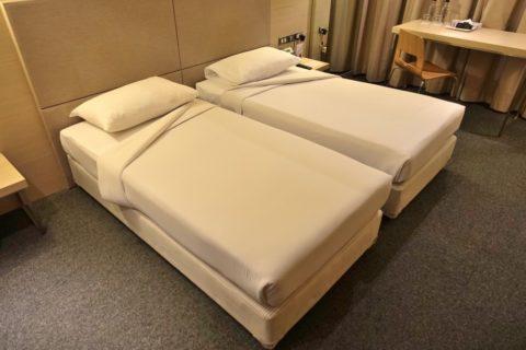 Miracle-Transit-Hotel/ベッド