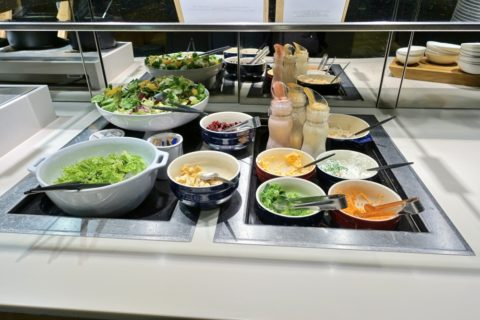 frankfurt-lufthansa-business-lounge/サラダ