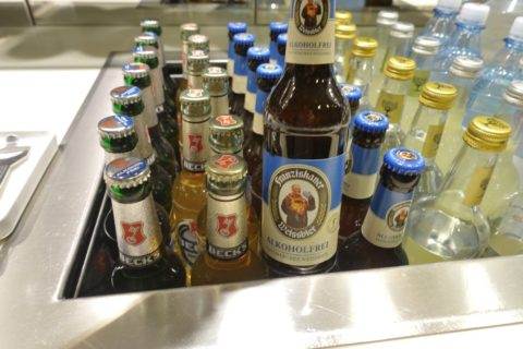 frankfurt-lufthansa-business-lounge/瓶ビール