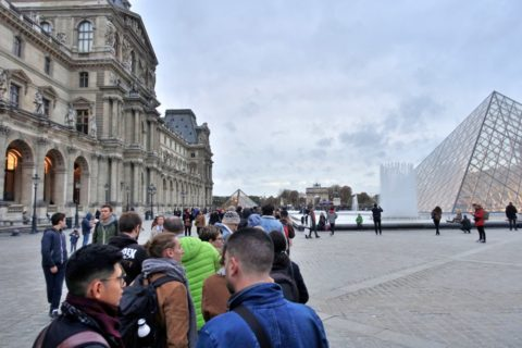 musee-du-louvre/整列