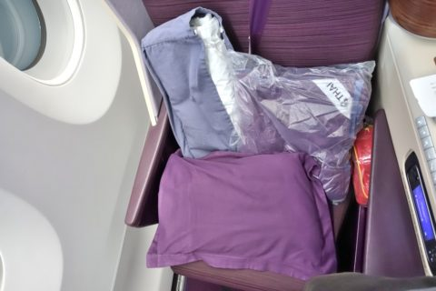 thai-airways-businessclass/寝具