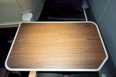 thai-airways-businessclass/テーブル