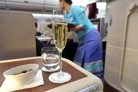 thai-airways-businessclass/シャンパンとチェイサー
