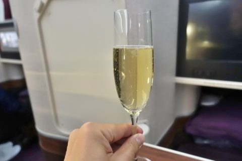 thai-airways-businessclass/シャンパン
