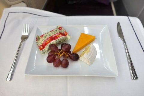 thai-airways-businessclass/チーズ