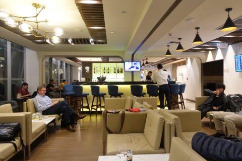 turkishairlines-lounge-bangkok/バーカウンター