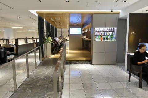 ANA-lounge-narita-satellite4/Suchi-Bar