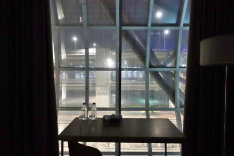 Miracle-Transit-Hotel/窓の外