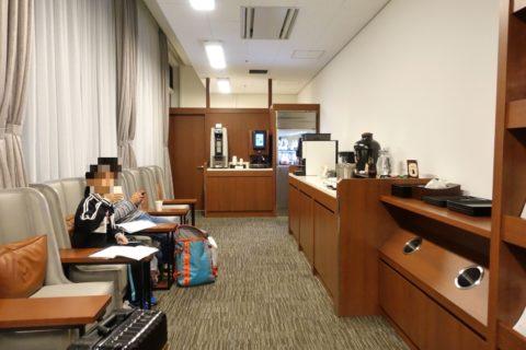 sakura-lounge-annex-naha/ドリンクカウンター