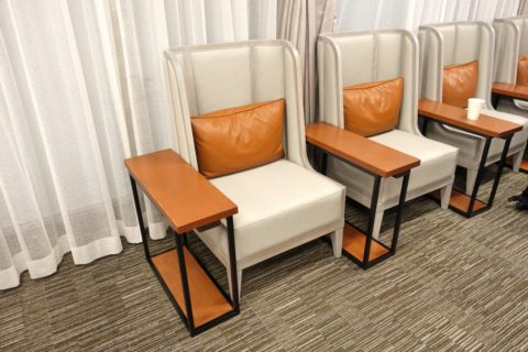 sakura-lounge-annex-naha/シート