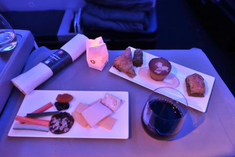 turkish-airlines-businessclass-b777/デザートとチーズ