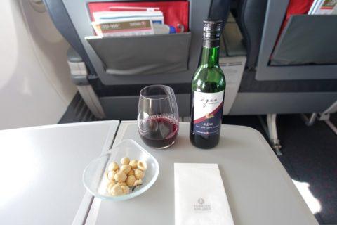 turkishairlines-b737-900-businessclass/赤ワイン