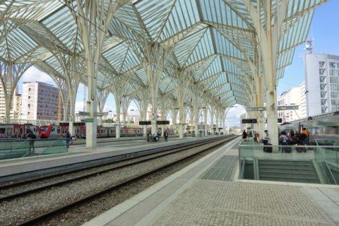 リスボンオリエンテ駅プラットホーム