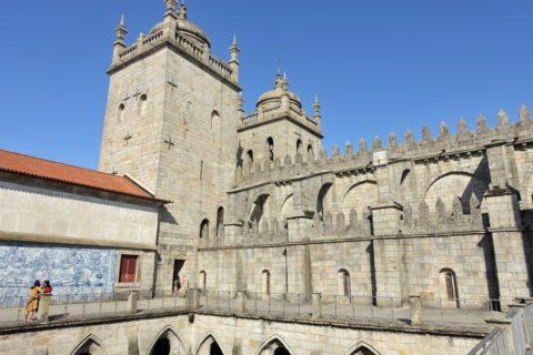Catedral-do-Porto/教会のタワー