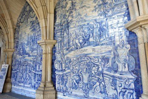Catedral-do-Porto/アズレージョの壁面