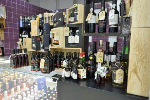 Mercado-do-Bolhao/ポートワインの値札